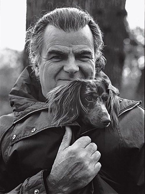 Патрик и его главная модель - собака Паффи